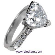 Engagement_heart_ring_side_stones_R545_Ajediam