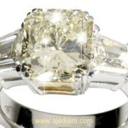 Radiant_Diamond_ring_BIG