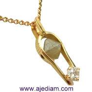 pendant_rough___polished_diamond_5cm